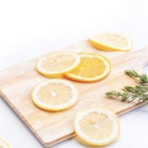 レモンとまな板