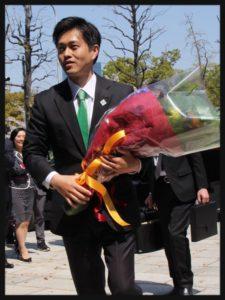 吉村知事の緑色ネクタイかっこいい