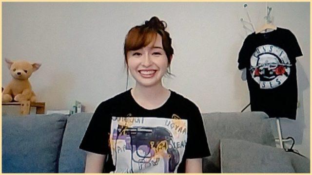 宇賀神メグアナのロックTシャツ